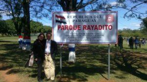 Miguel Zaracho, con Laura Colman, secretaria del rayadito de Paraguay