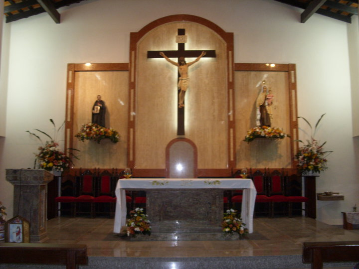 Altar de la parroquia Virgen del Carmen de Villa Elisa