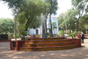 Luego de la publicación se limpió la fuente de la plaza