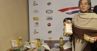 Doña Sara, con productos de combos económicos. Foto: ABC Color. (Archivo)