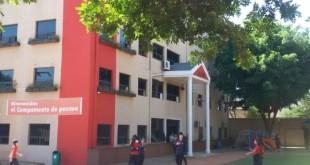 Fachada de la institución educativa de Ciudad del Este. Foto: Noelia Duarte - Última Hora.