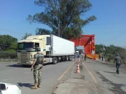 FOTO: ABC color /Paseros levantan bloqueo en la frontera