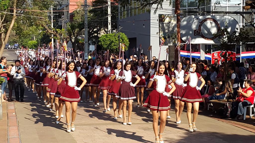 Para mañana jueves es el desfile del CRESR, donde tambien participaran una delegacion de la ciudad de Pilar