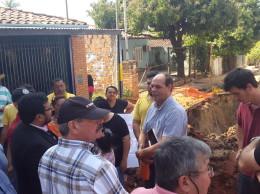 El fiscalizador por parte de la constructora es el que dá la cara no asi autoridades del MOPC ni los de la municipalidad local