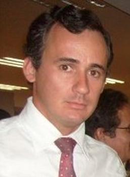 Dr. Daniel Muñoz, coloproctólogo