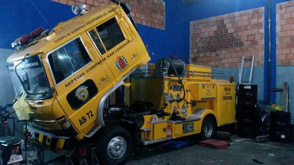 El carro hidrante, esta en el taller esperando los 20 millones para ser retirado. (Imagen: Cuenta del facebook de los socorristas)