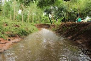 Así quedó una parte del arroyo San Lorenzo luego de que unos jóvenes se decieron a limpiar. (Imagen facebook quiero un San Lorenzo Mejor)
